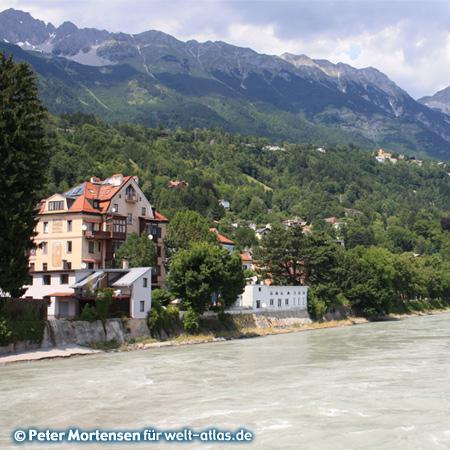 Innsbruck, im Hintergrund die Gipfel Nordkette
