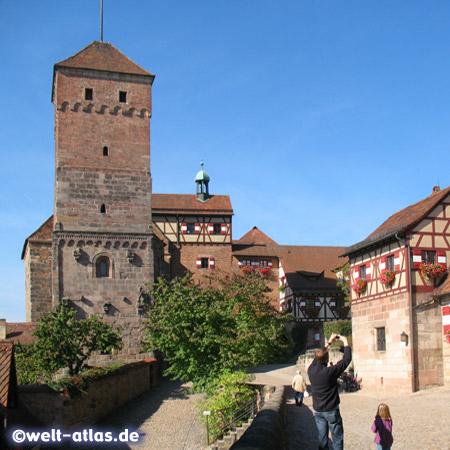 Heidenturm und Kaiserkapelle der Kaiserburg in Nürnberg