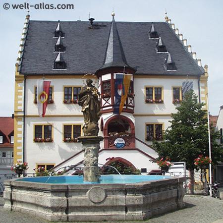 Rathaus im Renaissance-Stil von 1544 am Marktplatz