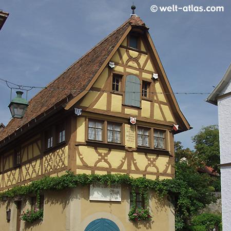 Rothenburg o. d.Tauber, Weinstube, Fachwerkhaus
