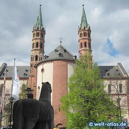 Der St. Kiliansdom zu Würzburg, Ostseite