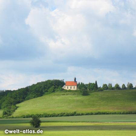 St. Gallus Kirche in Hohn am Berg auf einem Hügel, Steigerwald bei Schlüsselfeld, Franken