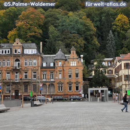 Friedrich-Ebert-Platz, Marktplatz nahe der Altstadt von Heidelberg – Foto:© S. Palme-Waldemer