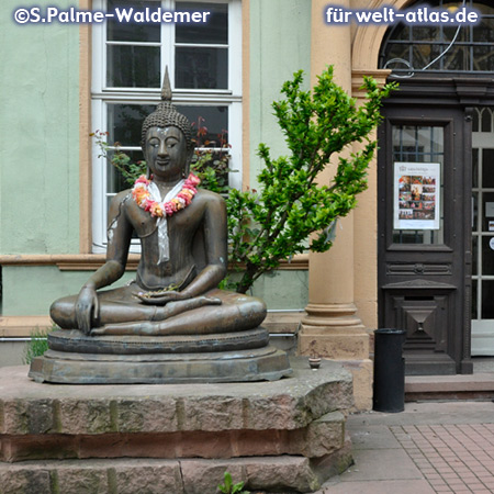Buddha in front of the Ethnological Museum