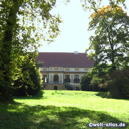 Schloss Caputh am Templiner See bei Potsdam, Park und Seeseite