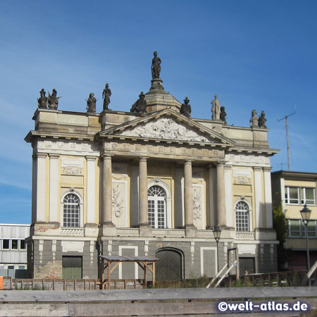 Portal facade of war-damaged Long Barn (Langer Stall), riding and drill hall of 1734 in Potsdam