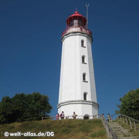 Der Leuchtturm Dornbusch auf der Insel Hiddensee: Position: 54° 35′ 57″ N, 13° 7′ 10″ O