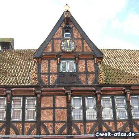 Schöner Fachwerkgiebel, Fassade des Alten Rathauses von Wilster, Renaissance-Bau, 1585