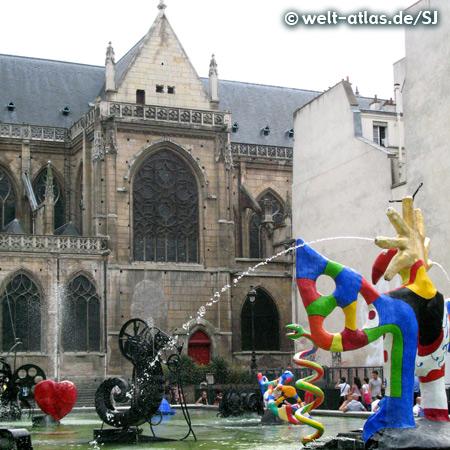 Strawinsky Brunnen von Jean Tinguely und Niki de Saint Phalle vor dem Centre Pompidou