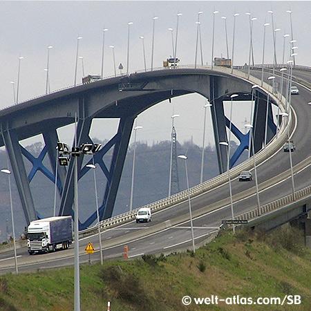 Le Havre, Pont de Normandie