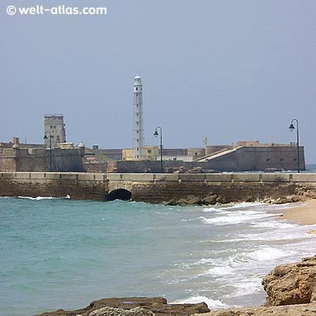 Cádiz, Castillo de San Sebastián mit Leuchtturm, Position: 36° 32' N | 006° 19' W