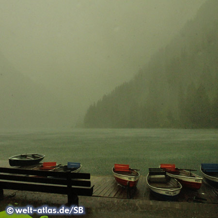 Photo Heavy rain storm on Vilsalpsee | Welt-Atlas.de