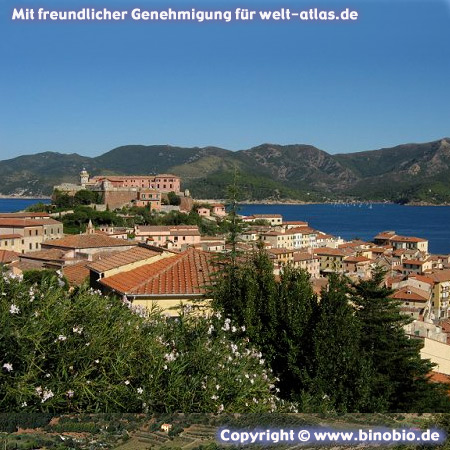 Forte Stella und Leuchtturm in Portoferraio auf Elba –Urlaubsbericht: Wandern in der Toskana von Hans van Gelderen unter:http://elba.binobio.de/elba.htm