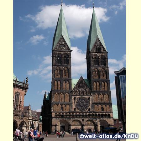 Der St. Petri Dom, älteste Kirche in der Hansestadt Bremen im Herzen der Altstadt