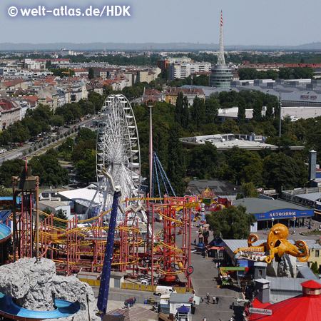 Blick vom Riesenrad im Wiener Prater auf Wildalpenbahn, Autodrom und Messeturm – Foto: mit freundlicher Genehmigung von H.-D. Krause