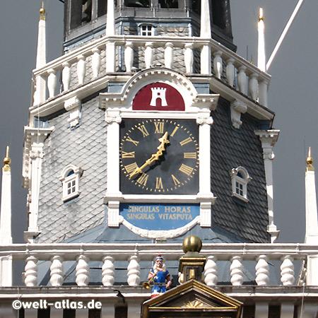 Turm und Uhr in Alkmaar am Käsemuseum