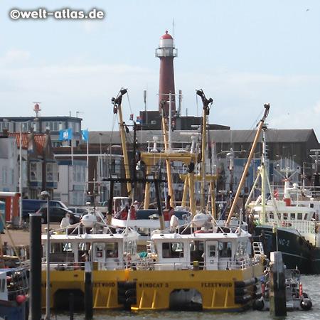 IJmuiden, Hafen und Leuchtturm
