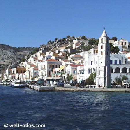 Insel Symi, Bootsausflug von Rhodos, Schwammtaucher, Hafen Gialós, Uhrturm