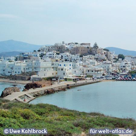 Blick vom Marmortor auf die Stadt Naxos – Foto:© Uwe Kahlbrock