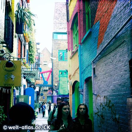 Neal's Yard in Camden, farbenfrohe Häuser, kleine Läden und Restaurants