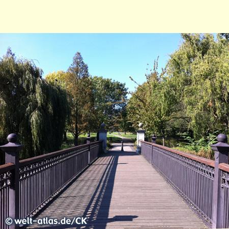 Long Bridge im Regent's Park, einer der königlichen Parks in London