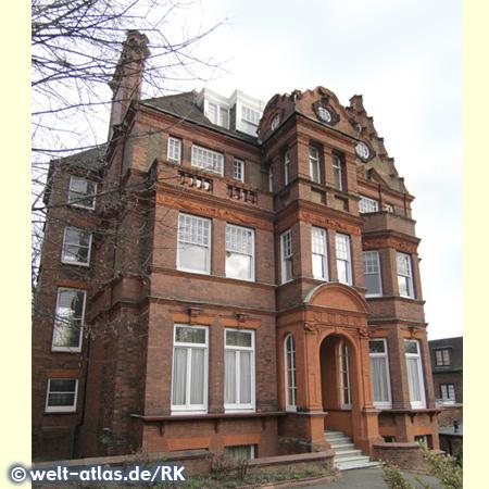 In Hampstead gibt noch immer viele feudale Häuser und Villen zu sehen