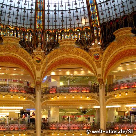 Große Halle, Galeries Lafayette, Kuppel und Balkone in Jugendstilarchitektur