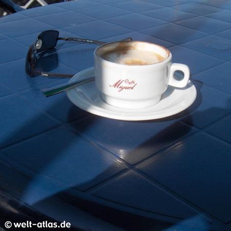 Kaffeepause in Cerro, Lago Maggiore