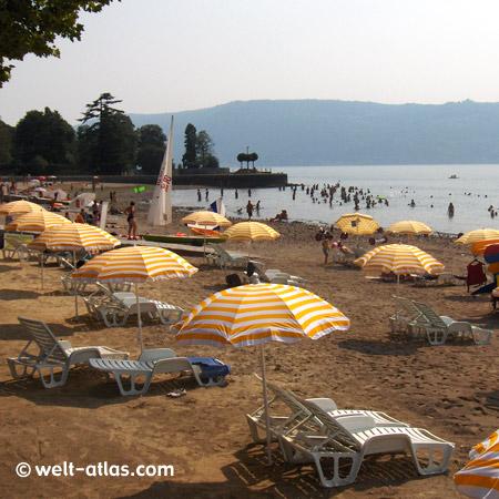 Strand in Cerro, Lago Maggiore