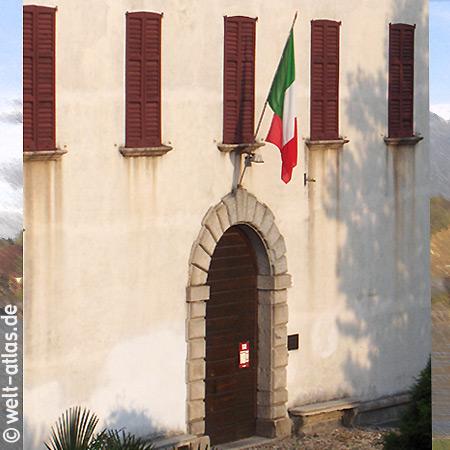 Cerro, Palazzo Perabò