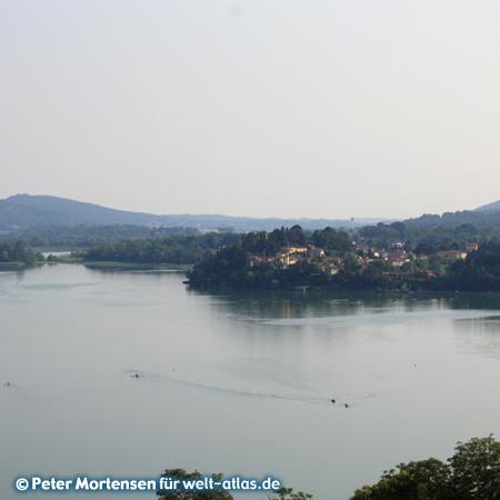 Am Lago di Varese in der Lombardei östlich des Lago Maggiore