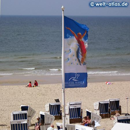 Strandkörbe am Strand in Westerland, Insel Sylt, Nordfriesland