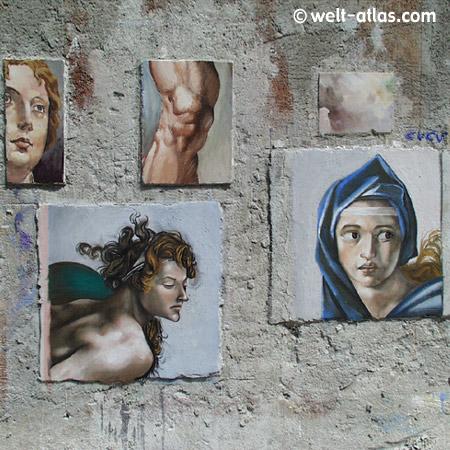 Bilderwand Im italienischen Künstlerdorf, Lombardei
