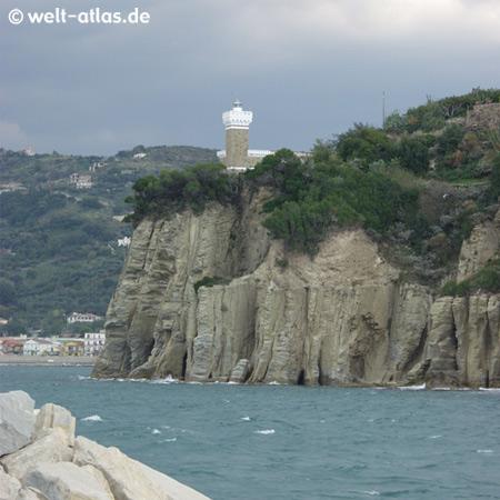 """Leuchtturm von Agropoli, Punta Fortino,Position: 40º 21' 3"""" N 14º 59' 2"""" E"""
