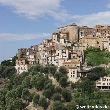 Pisciotta, mittelalterliches Dorf im Cilento, Blick von Süden, Kampanien, Italien