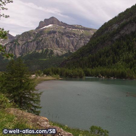 Lac de Derborence, mountain lake in Valais