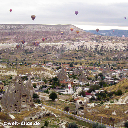 Heissluftballons über Göreme