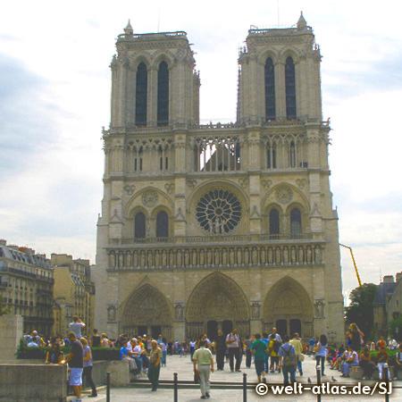 Die Kathedrale Notre-Dame de Paris, eines der ältesten gotischen Kirchengebäude in Frankreich
