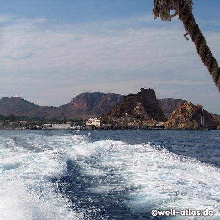 Unser Schiff verläßt Porto di Levante auf der Insel Vulcano Richtung Lipari