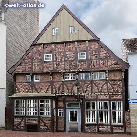 Das älteste Bürgerhaus der Stadt Rendsburg mit seiner schönen Fachwerkfassade, erbaut 1541 steht unter Denkmalschutz