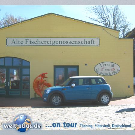 """welt-atlas ON TOUR in Tönning.Krabben und Fisch in der """"Alten Fischereigenossenschaft"""" am Hafen. Lecker Fisch,  Verkauf und essen neben dem Packhaus"""