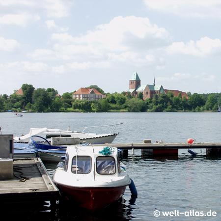 Blick über den Domsee auf den Ratzeburger Dom