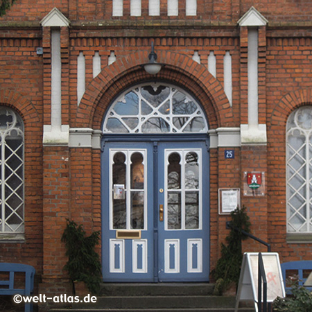 Tür des Stadtmuseum Pinneberg im ehemaligen Amtsrichterhaus im Zentrum von Pinneberg an der Dingstätte