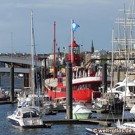 Das altes englische Feuerschiff im City Sporthafen an den Landungsbrücken dient heute als Restaurant,Hamburg