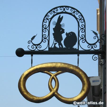 Schild an der Has' und Igel-Bäckerei in Buxtehude