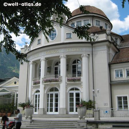 Kurhaus an der Passerpromenade, Wiener Sezessionsstil