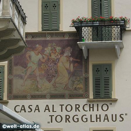 Wandmalerei am Torgglhaus in der Altstadt von Bozen