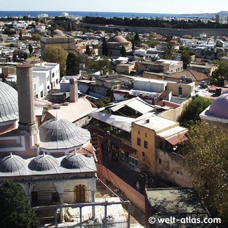Blick auf Rhodos Stadt mit der Süleyman Moschee