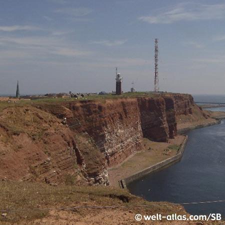 Der Leuchtturm auf dem Oberland ist das stärkste Leuchtfeuer in der Deutschen Bucht, Helgoland Position: 54° 11,0′N / 07° 53,0′E