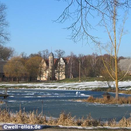 Renaissance-Wasserschloss Quilow, Herrenhaus in Mecklenburg-Vorpommern